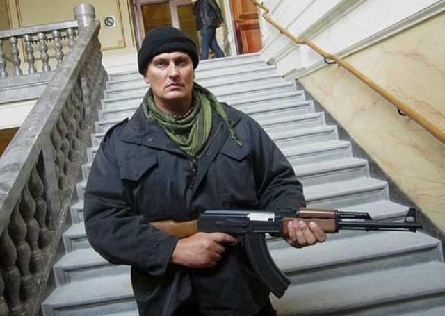 Ivan Jurcevic poseerimas relvaga