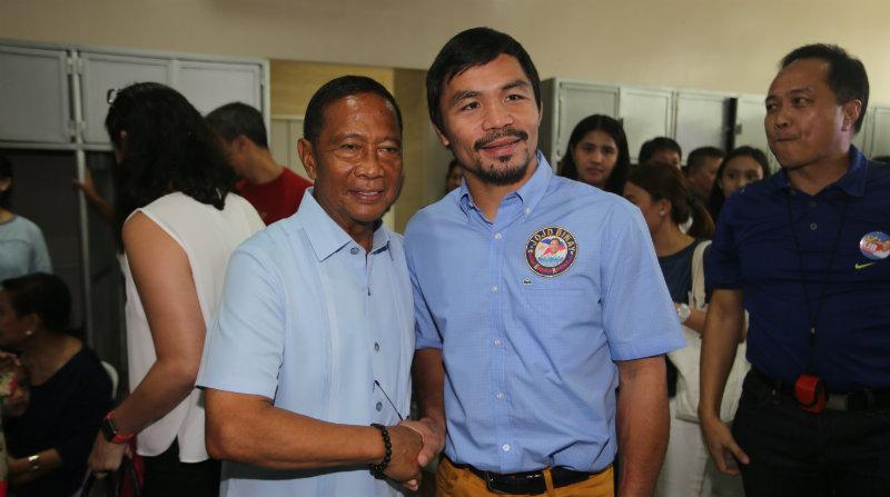 Pacquiao (Paremal) koos Filipiinide asepresidendi Jejomar Binayga.