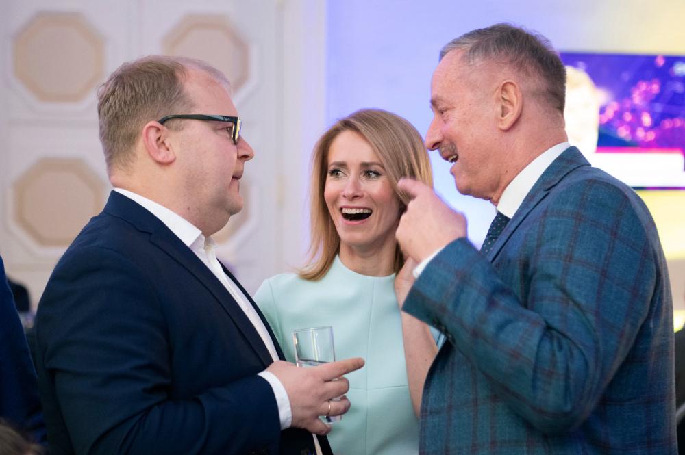 Juhtkiri: võimuiha Eesti riigi huvide kahjustamise hinnaga on alatuse tipp!