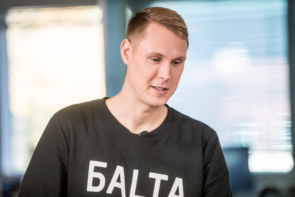 Raimond Kaljulaid: rahvahääletus abielu küsimuses on seksuaalvähemuste kiusamine