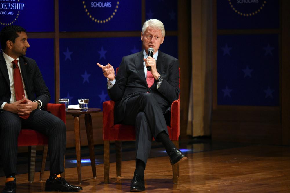 Bill Clinton väidab vastupidiselt kohtudokumentidele, et ei teadnud Epsteini kuritegudest midagi