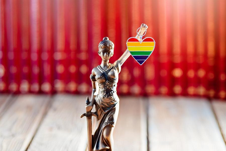 Küsimus prokuratuurile: kas erinevalt teistest on LGBT-aktivistidele avalik enesepaljastamine lubatud?