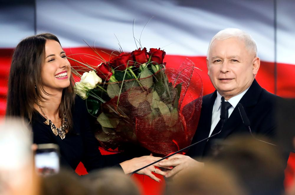 Poola konservatiivne võimuerakond võitis taas enamuse
