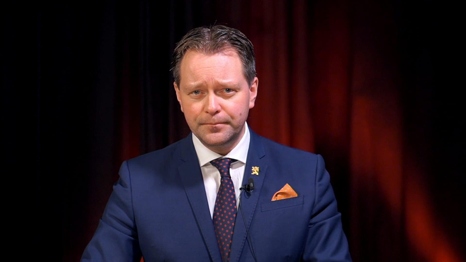 Tsensuur: YouTube eemaldas vihakõnena Markus Järvi süvariigist rääkiva kommentaari