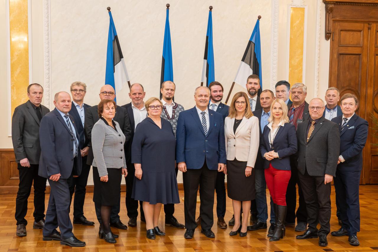 EKRE riigikogu fraktsiooni liikmed annetavad palgatõusust tuleva lisaraha kriisiabiks